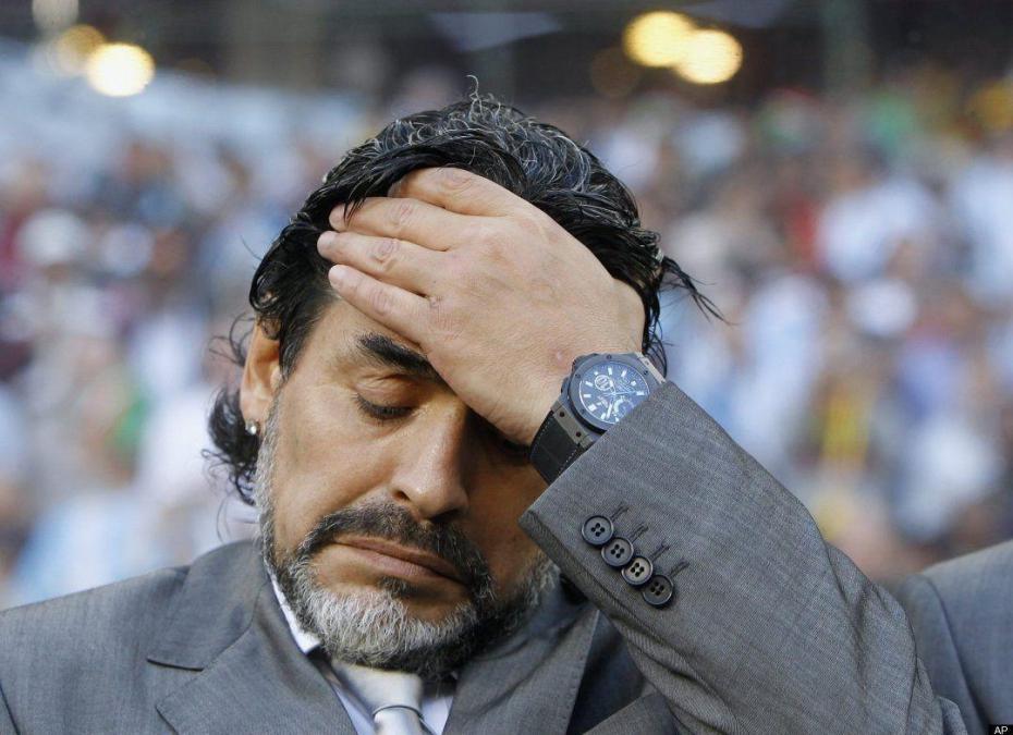 Diego Armando Maradona, riferisce il suo legale, sbarchera' oggi alle 12.35 a Fiumicino, per partecipare in serata a una trasmissione sportiva in tv. Domani terrà una conferenza stampa a Napoli, […]