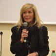 NAPOLI – Elisabetta Garzo si è insediata quale nuovo Presidente del Tribunale di Napoli. E' la prima volta che una donna assurge a questo ruolo tant'è che la nomina all'unanimità […]