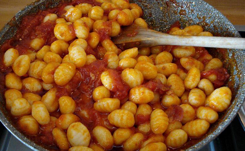 """di Luigi De Rosa """"Sorrento Gnocchi Day"""" è un'iniziativa enogastronomica che intende celebrare il piatto tipico della cucina sorrentina. Pensate che, come da leggenda, fin dai primi anni del Seicento […]"""